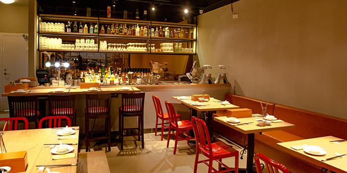 Indoor of PHOENIX Hotpot Bar located in Minhang, Shanghai