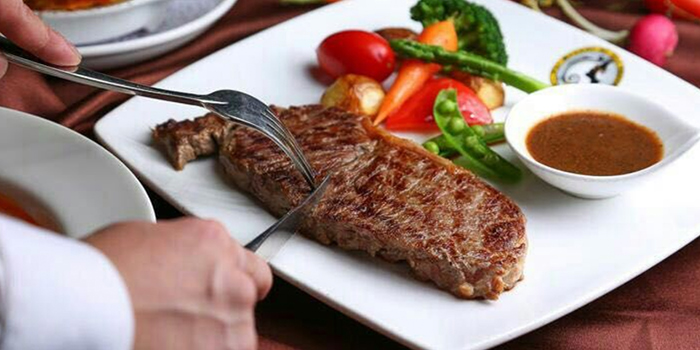 Steak from Dreams of Old Shanghai located in Jing