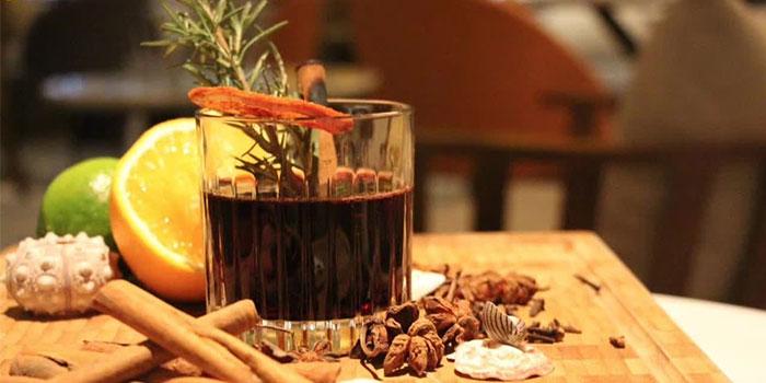 Alcohol of The Beach House(Julu Lu) located in Jing