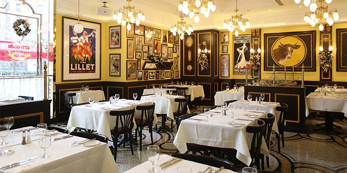 Indoors of Entrecôte - Steakhouse à la Française located in Xuhui, Shanghai