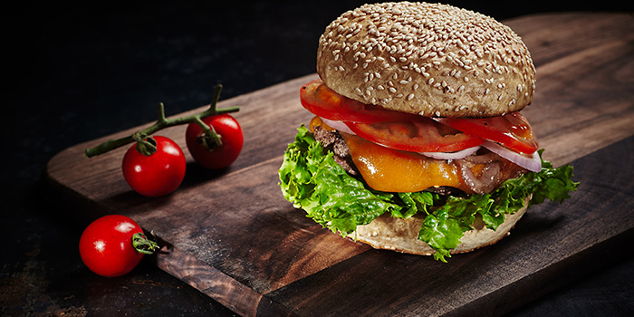 Burger from Green & Safe (Dongping Lu) located in Xuhui, Shanghai