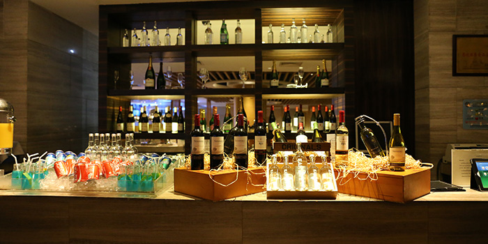 Bar of VIE All-Day Dining (Sofitel Sheshan) located in Songjiang, Shanghai
