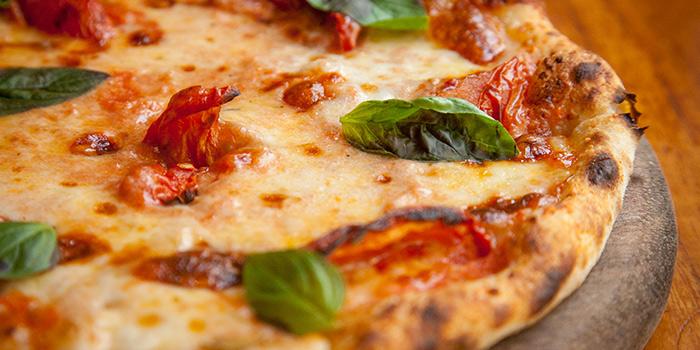 Margherita Pizza from La Strada located in Xuhui, Shanghai