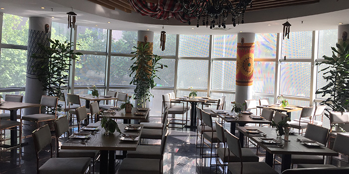 Indoor of Bali Bistro & Balini Coffee located in Jing