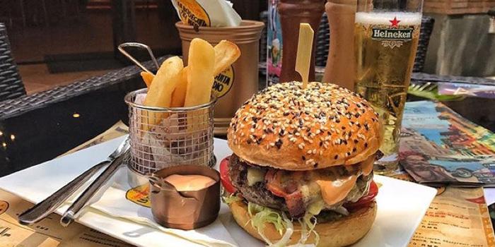 Burger of La Bodeguita Del Medio located in Xuhui, Shanghai