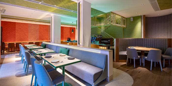 Indoor of eighteenkitchen & bar located in Jing