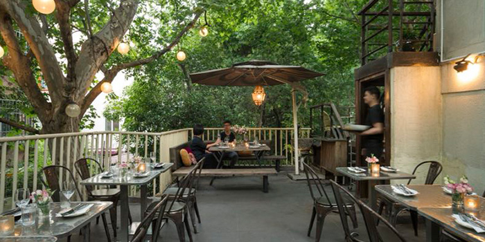 Terrace of Ginger Modern Asian Bistro located in Xuhui, Shanghai