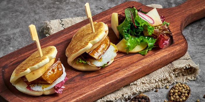 Burger of CommBiz located in Xuhui, Shanghai