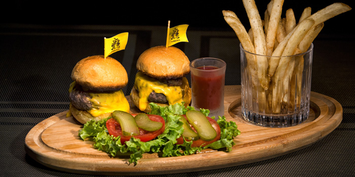 Burger of The Brewer located on Taicang Lu