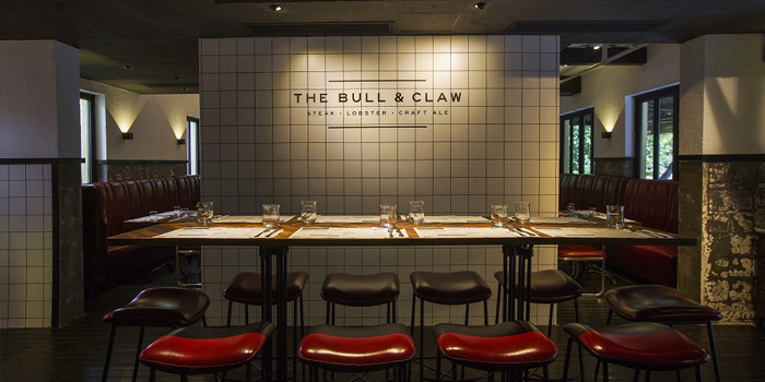 Indoor of The Bull and Claw located in Xuhui, Shanghai