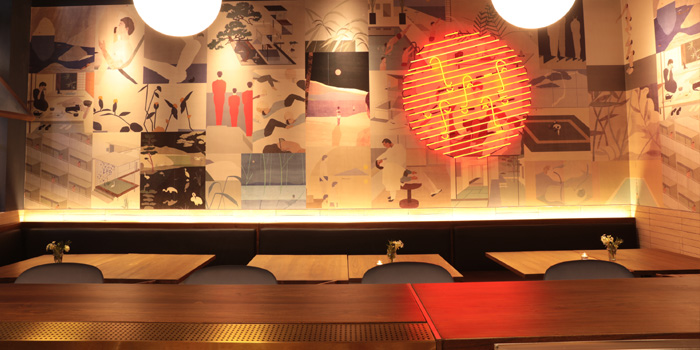 Indoor of Most Izakaya located in Jing