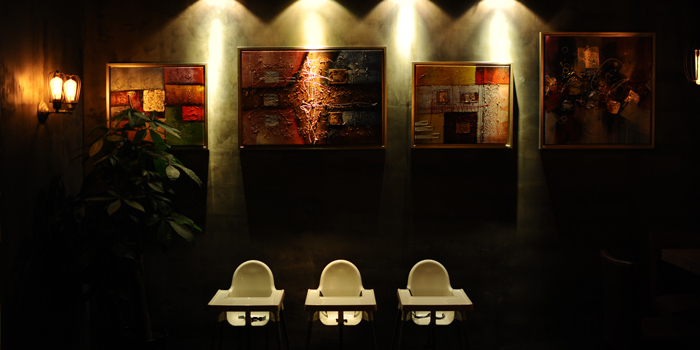 Indoor of Jstone. Italian Kitchen & Bar (Xiangyang Park) located in Xuhui, Shanghai
