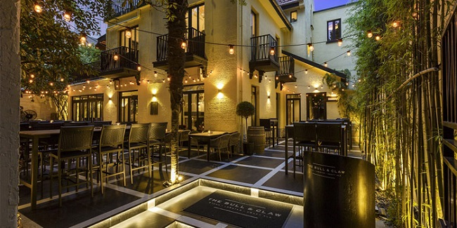 Terrace of The Bull and Claw located in Xuhui, Shanghai
