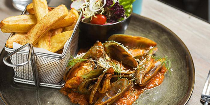Oyster of Hooked located on Julul Lu, Luwan, Shanghai