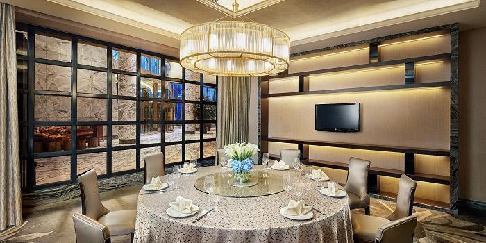 Indoor of Yuexuan Chinese Restaurant (Hilton Shanghai Hongqiao) located in Minhang, Shanghai