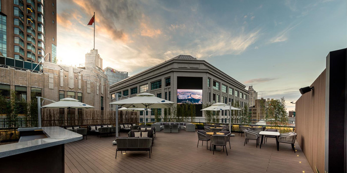Outdoor of FOGO Rooftop Bar & Restaurant located in Huangpu, Shanghai