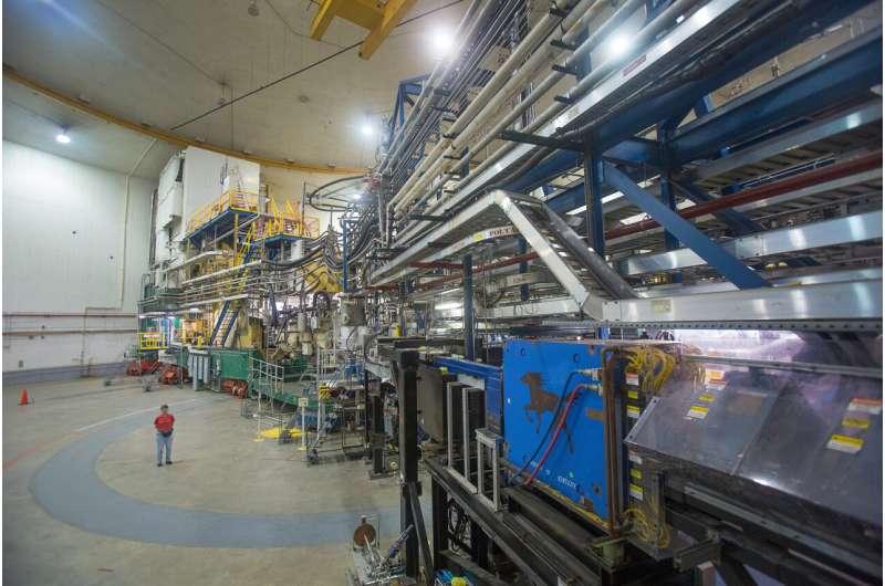 杰斐逊实验室的实验厅A是该实验室连续电子束加速器设施中四个核物理研究领域之一.png