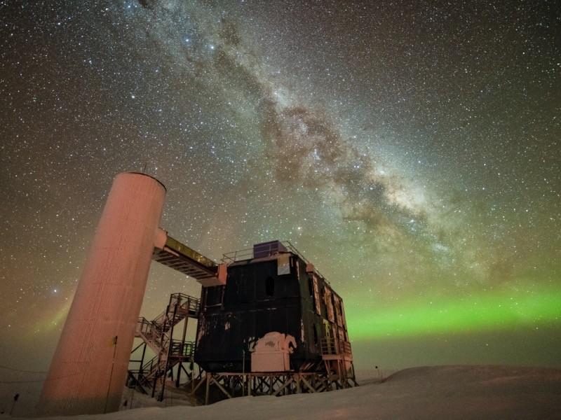 IceCube中微子观测站,南极洲。IceCube协作组织报告了3个事件的证据.png