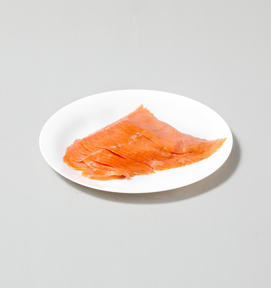 烟熏三文鱼切片
